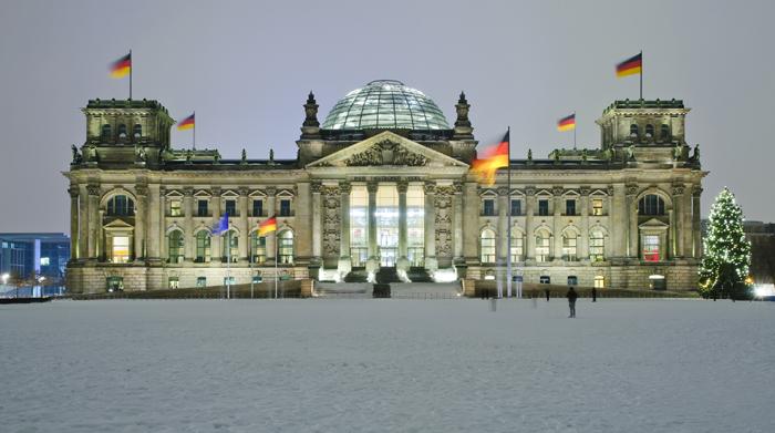 Bundestag, Berlino. Vista con la neve.