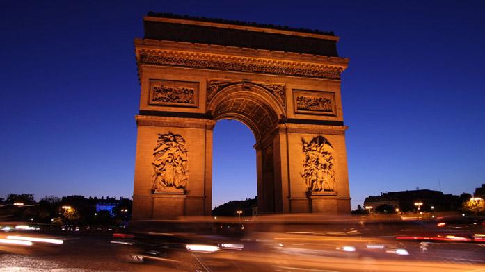 Arco di Trionfo di notte