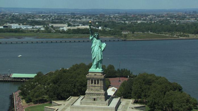 Immagine aerea della statua della libertà a New York