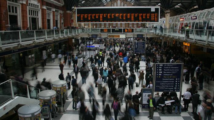 Time lapse dell'interno della stazione di Liverpool street a Londra