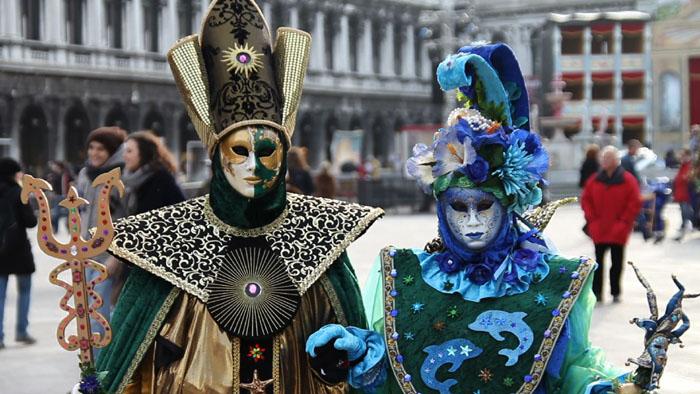 Coppia di maschere al Carnevale di Venezia
