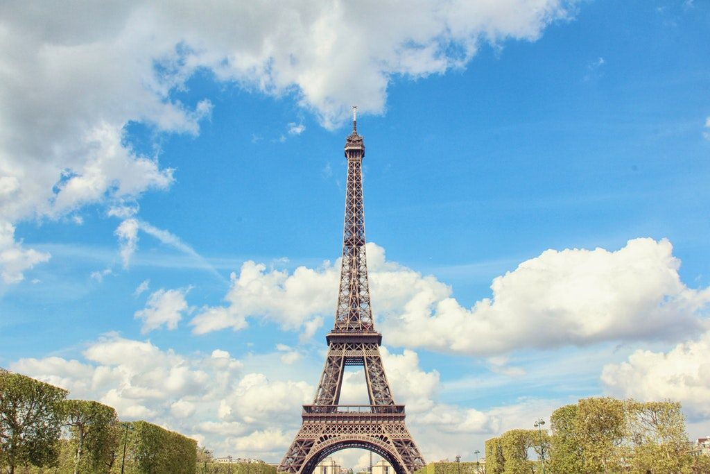 La Torre Eiffel vista da Champ de Mars