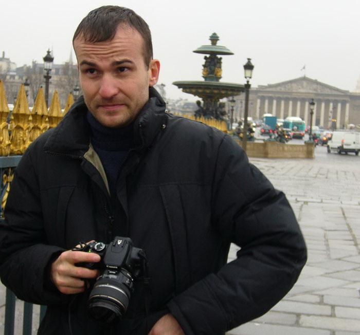 Daniele Carrer a Parigi in Place de la Concorde