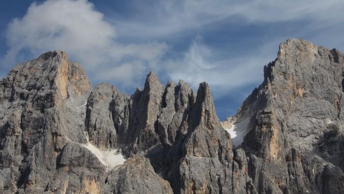 Le dolomiti a San Martino di Castrozza. Quanto vendono in paesaggi nel microstock?