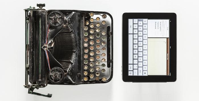 Macchina fotografica e tablet a confronto