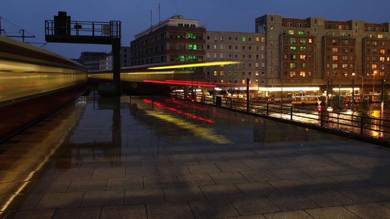 Stock footage della stazione dei treni di Alexanderplatz