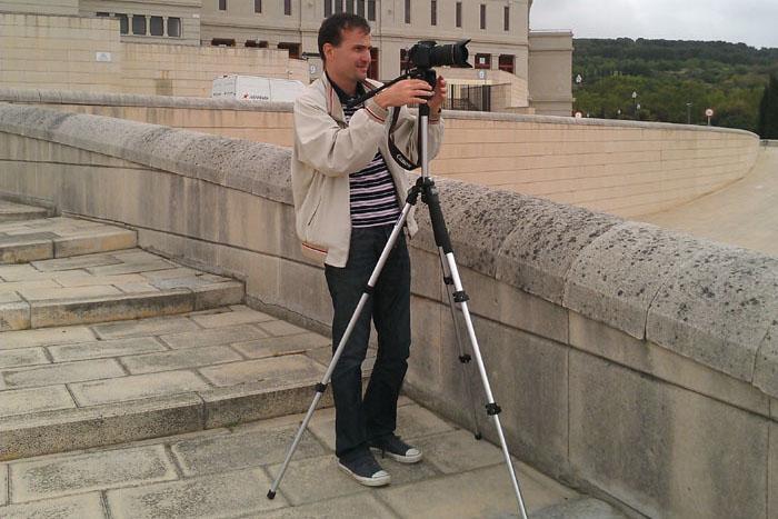Daniele Carrer mentre crea stock footage sul Montjuic a Barcellona