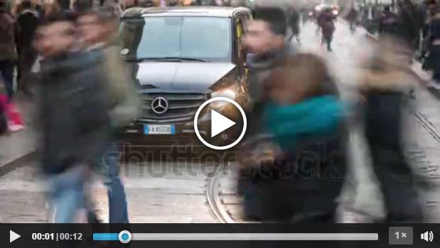 Traffico a Milano tratto da stock footage registrato da Roberto Mariani