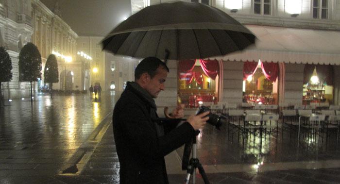 Daniele Carrer a Trieste durante delle riprese di microstock