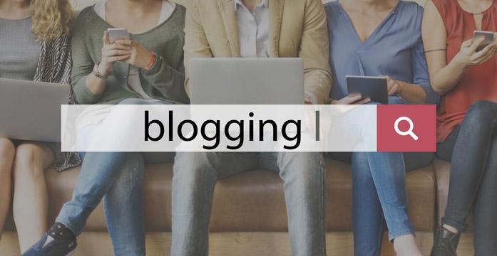 Gruppo di blogger al lavoro
