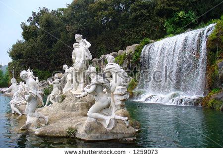 Statua della Reggia di Caserta fotografata da Dino Iozzi