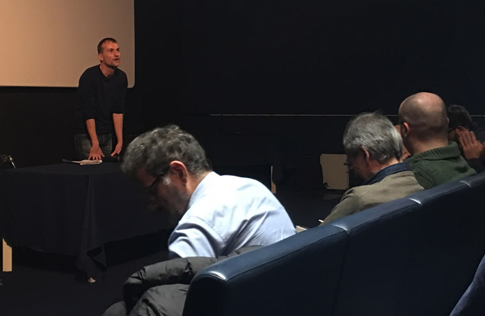Danele Carrer al MIC Milano durante la relazione che ha fatto all'incontro organizzato da Tau Visual nel novembre 2017