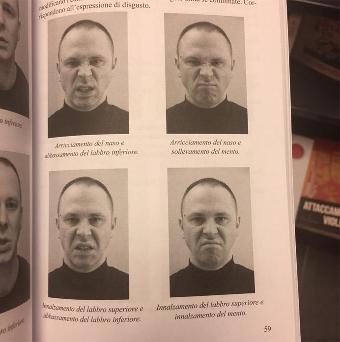 Pagina di un libro con le espressioni facciali di Marco Tiberio
