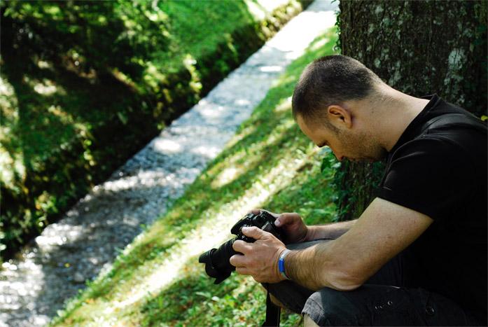Il fotografo professionista Marco Tiberio al lavoro