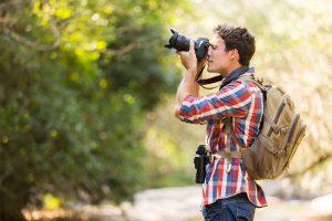 Fotografo in esterna con la reflex
