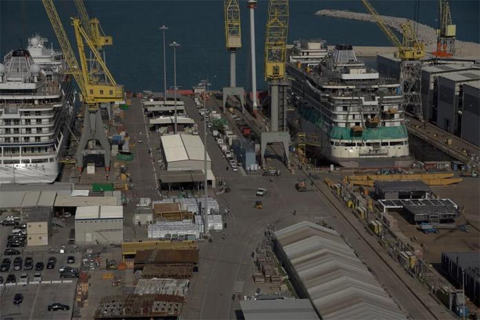 Cantiere navale ripreso dall'alto