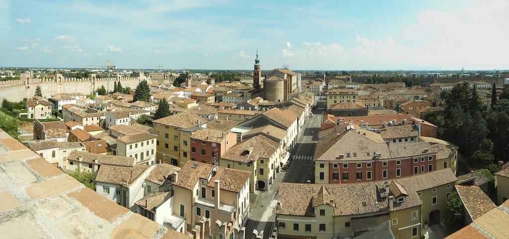 Vista di Cittadella dalle mura e dal camminamento di Ronda