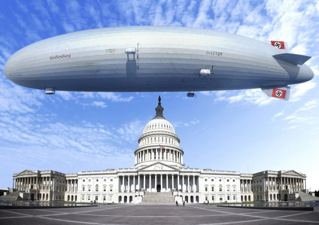 Dirigibile nazista Hindenburg sopra il Campidoglio a Washington