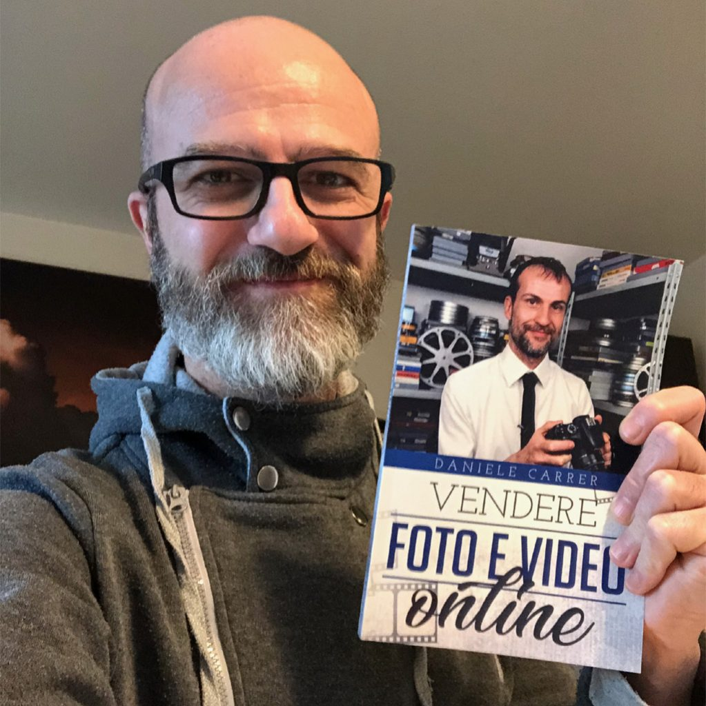 "Daniele Gay con il libro ""vendere foto e video online"""