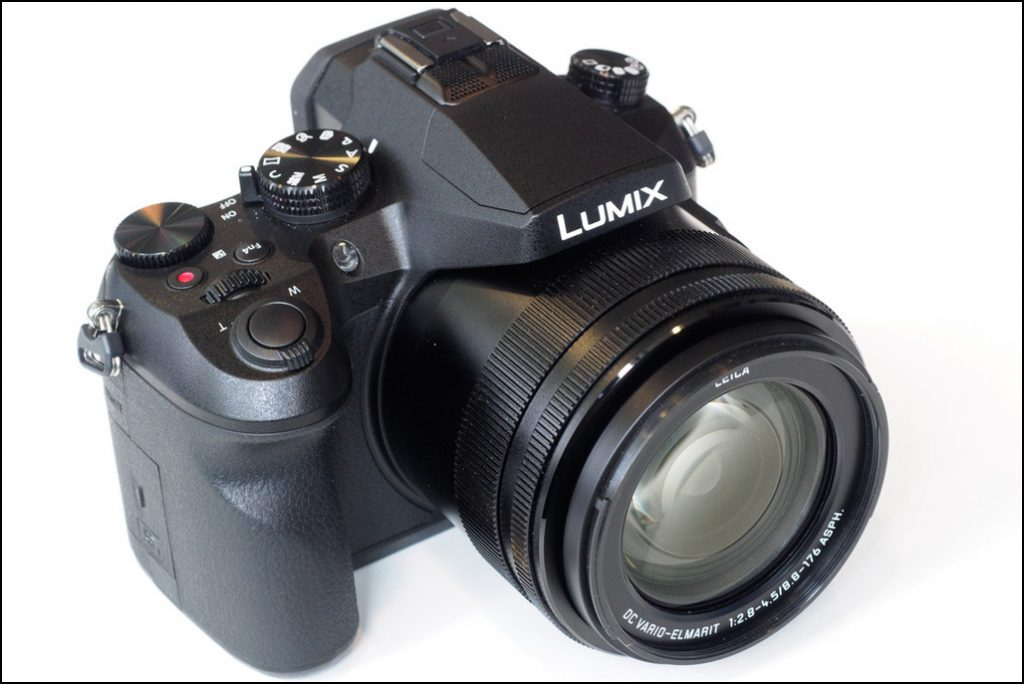 La fotocamera che registra video in 4k Panasonic FZ2000