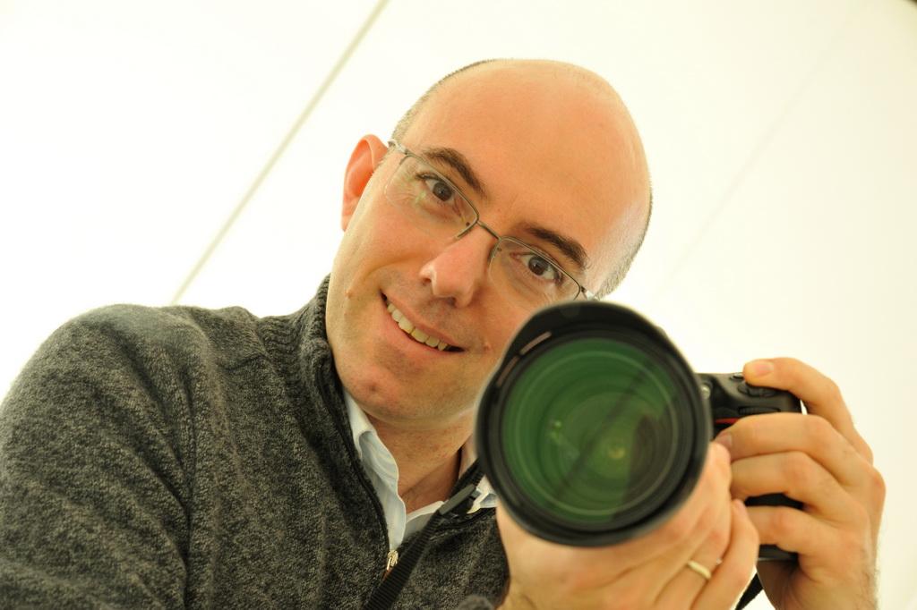 Ritratto del fotografo Mauro Celeghini