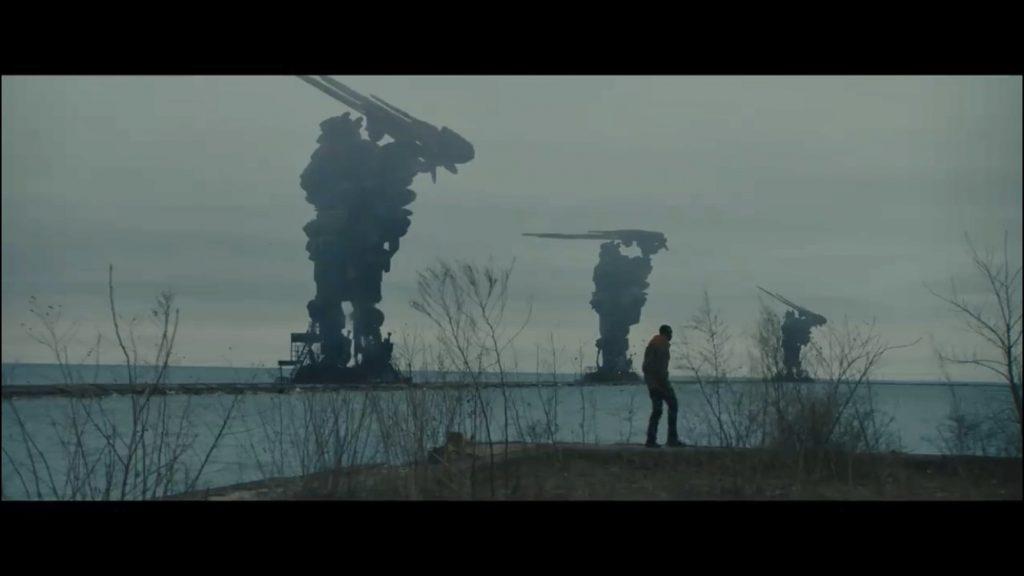 """Fotogramma tratto dal film """"Captive State"""" che ritrae dei robot"""