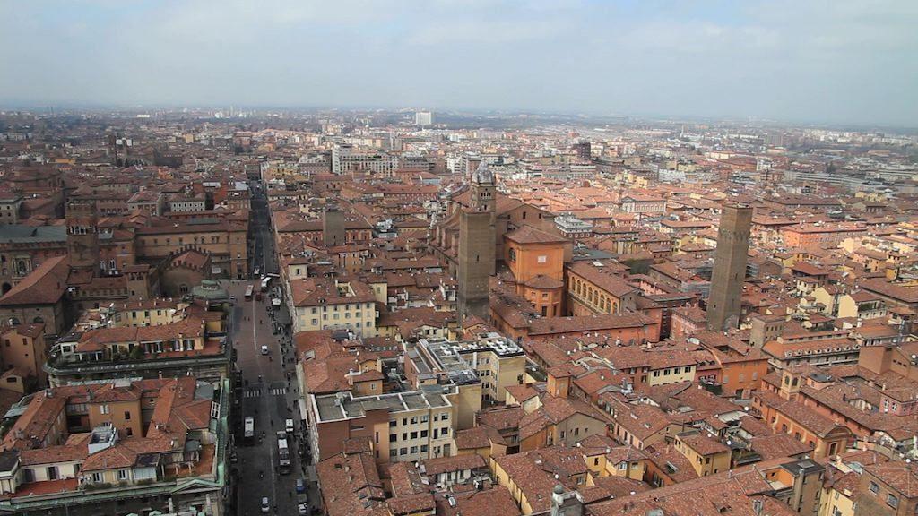 Panorama della Torre degli Asinelli a Bologna
