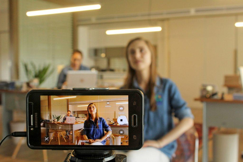 Smartphone che filma a 29,97 fps