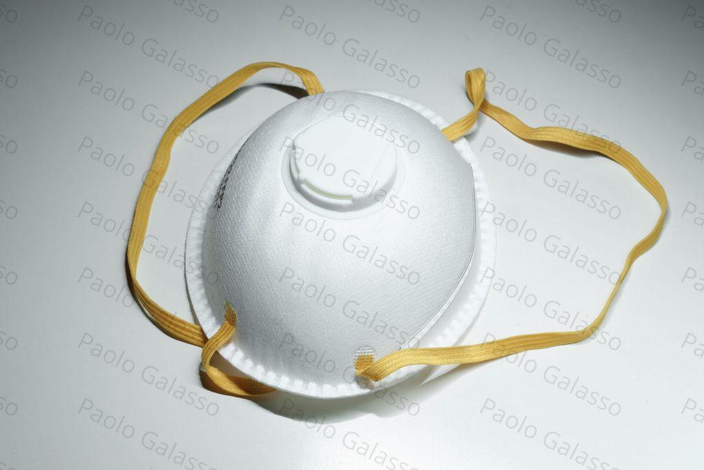 Stock image di una mascherina venduta su Adobe Stock